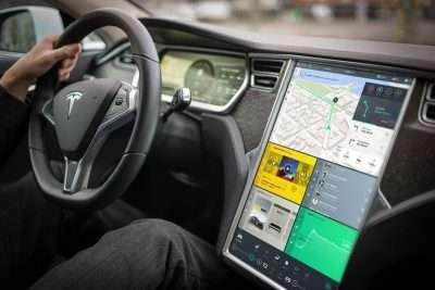Conduciendo un Tesla