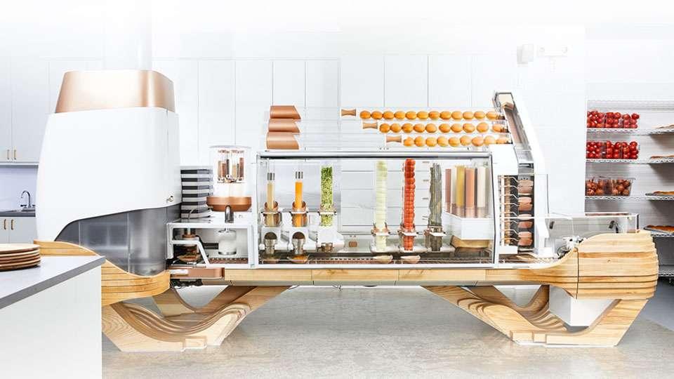 El robot de cocina del restaurante Creator cuenta con 350 sensores y 20 ordenadores conectados, capaces de hacer 130 hamburguesas por hora