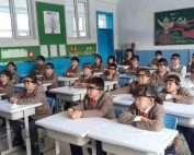 China prueba bandas de detección de la atención de niños en las escuelas