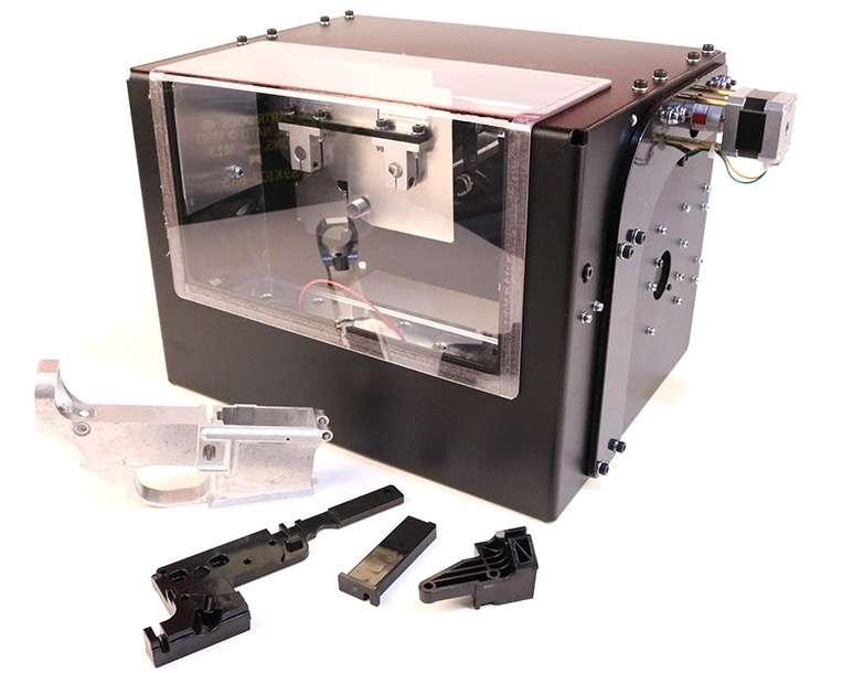 Impresora Ghost Gunner capaz de tallar aluminio para terminar armas de tipo AR-15 y Glocks