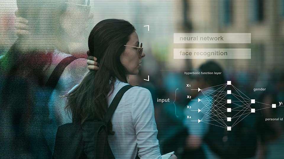 Reconocimiento facial clearview