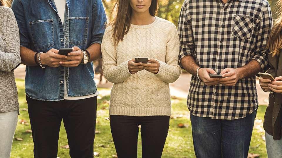 Cómo nos dividen las redes sociales y sus algoritmos